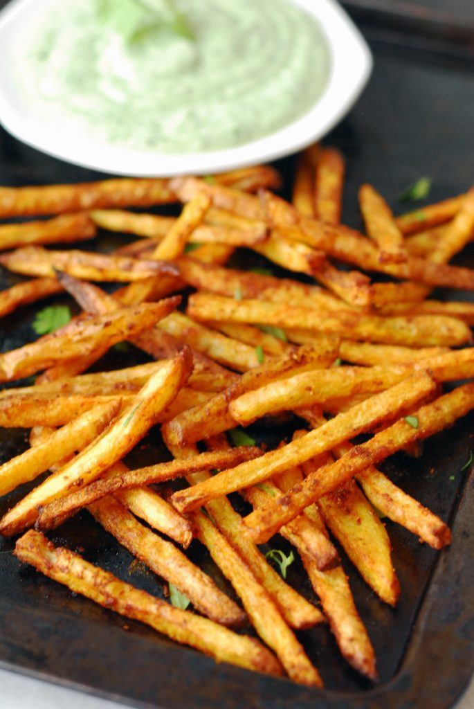 Curry Fries with Cilantro Mint Yogurt Sauce